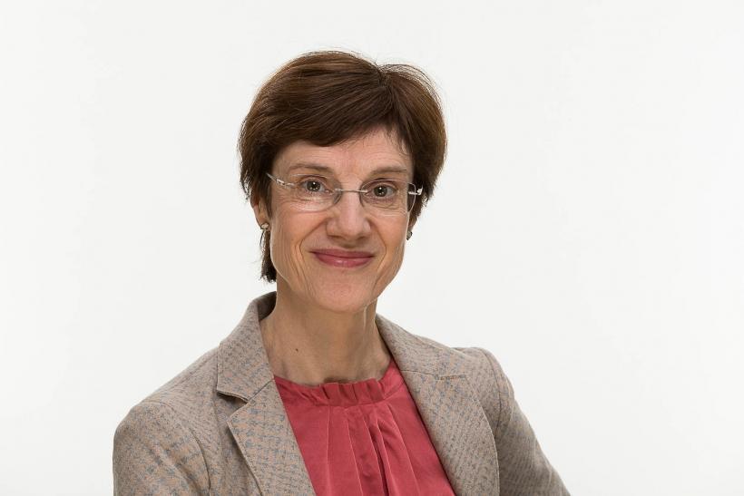 Dr. phil. Angelika  Schubert