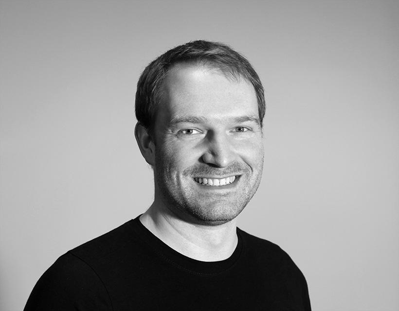 Dr. Sven  Angermann